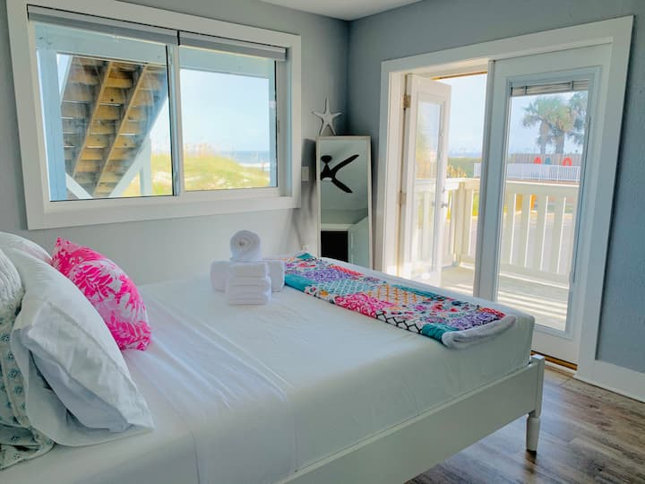 Oceanfront w views for grps/families (ground fl)