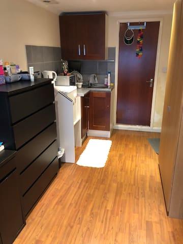 Liv's private room