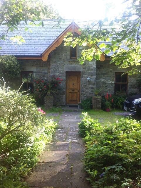 Stone Cottage on Streedagh Shore
