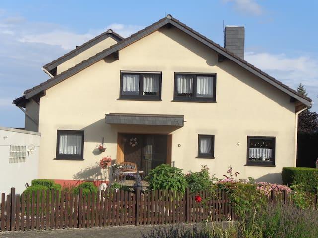 Holidayflat Rheinsteig/Geisenheim - Geisenheim - Apartament