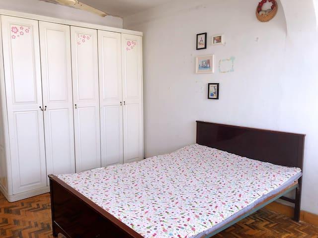 嘉定近地铁近景区位于日月光商圈内的2室1厅大床房短租新房