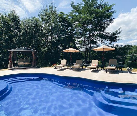 PRIVATE POOL   BRAND NEW Luxury Villa   Sleeps 17