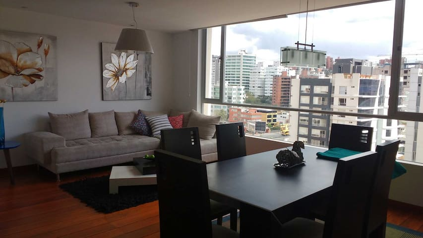 Modern and cozy 2 BR 2 bath in the heart of Quito - Quito - Lägenhet