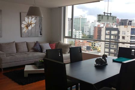 Modern and cozy 2 BR 2 bath in the heart of Quito - Quito - Lakás