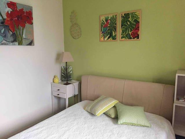 Jolie chambre dans Villa récente 10 mn Perpignan