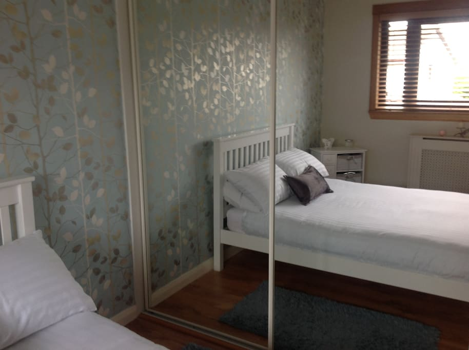 Double room to front of house