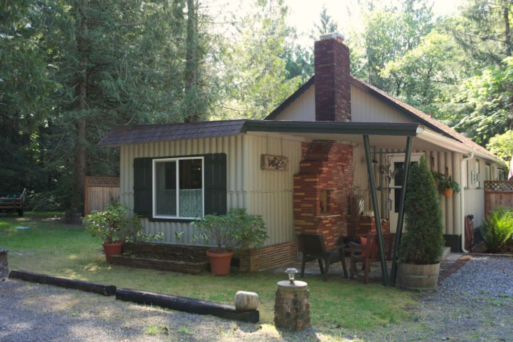 Cottage sits on community property