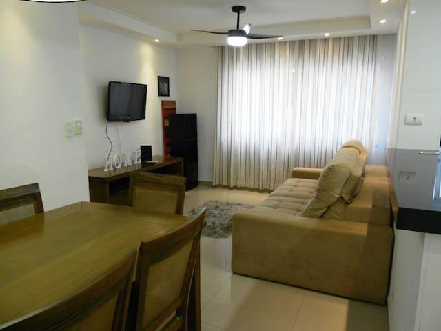 3 Dormitórios - Reformado - Ar condicionado