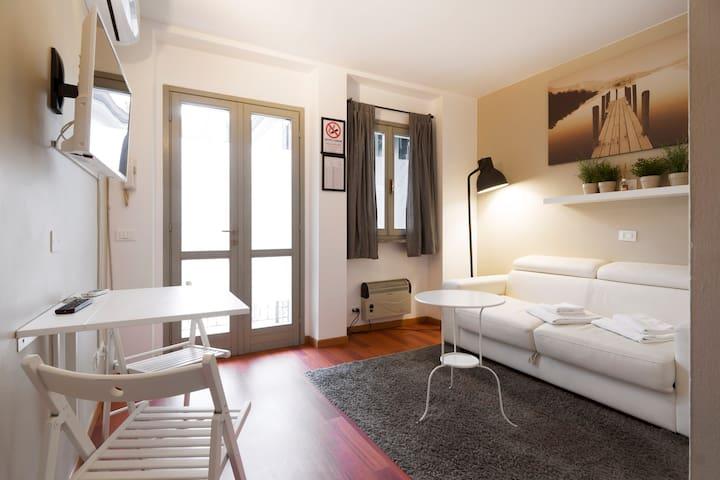 MilanFlat-Cadorna center studio42-Flatscollection