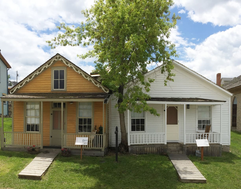 Daems and Corbett Home