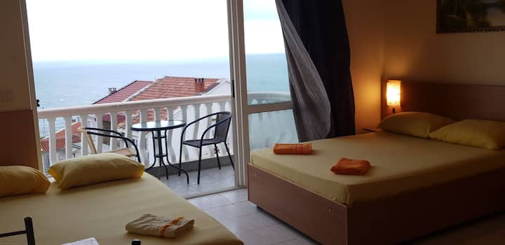 Sea view 4 beds room with kitchenette