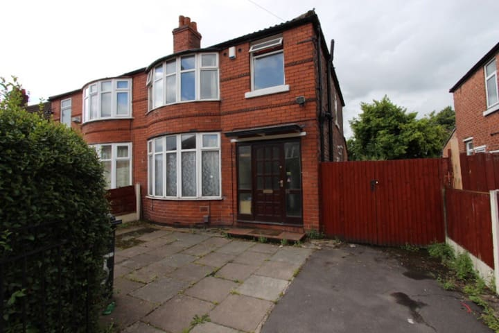 4 bed house to let in Fallowfield - Manchester