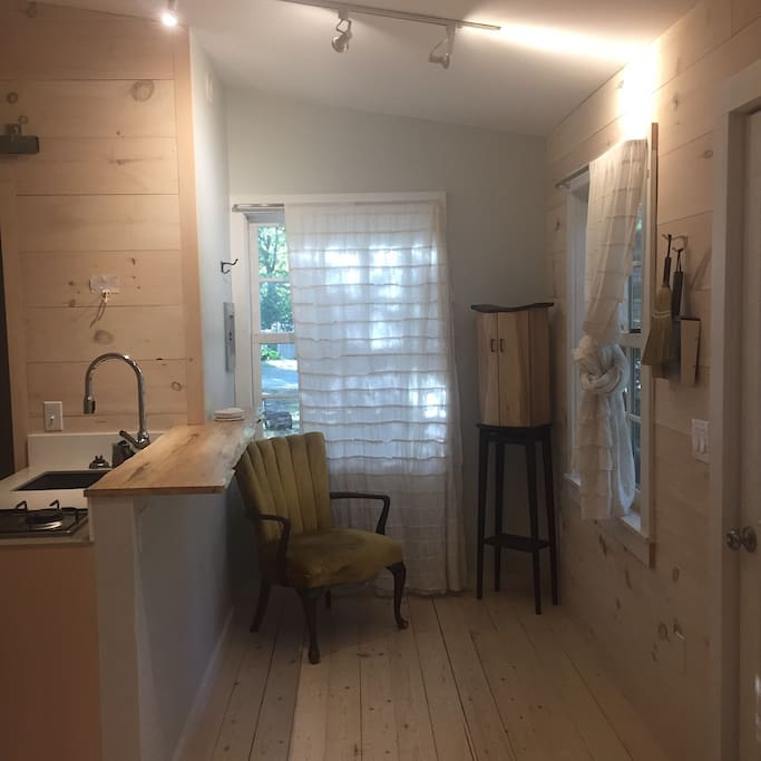 Minimalist Inspired Cabin Cabins For Rent In Bar Harbor