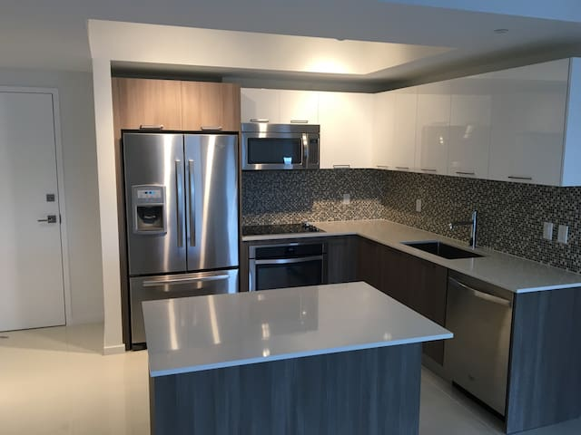 Charming 2 bed in Downtown Doral - Miami - Appartement