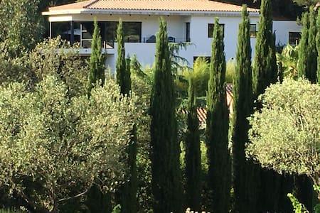 Studio villa architecte 5km Bandol - Le Castellet - 公寓
