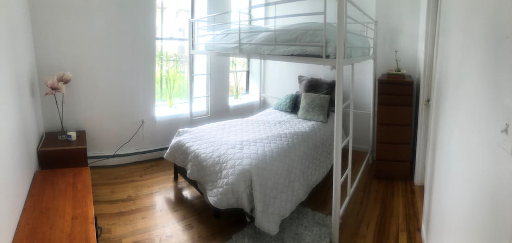 Double Loft Room w/ Shared Bathroom