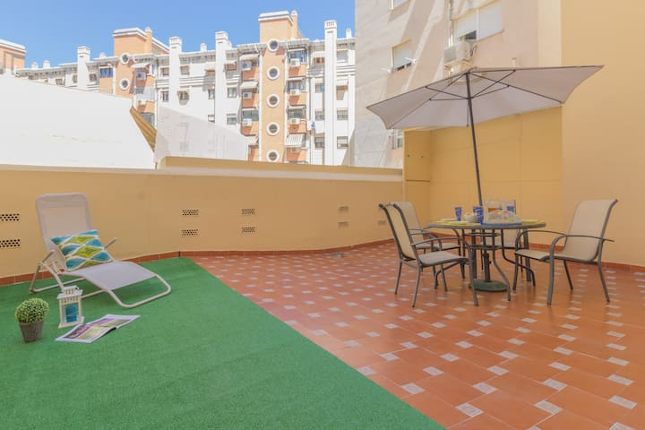 Beautiful 1 bedroom apt. with terrace in  Málaga - Málaga - Apartamento