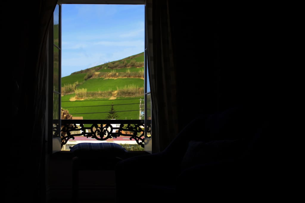 Country Suite - Window