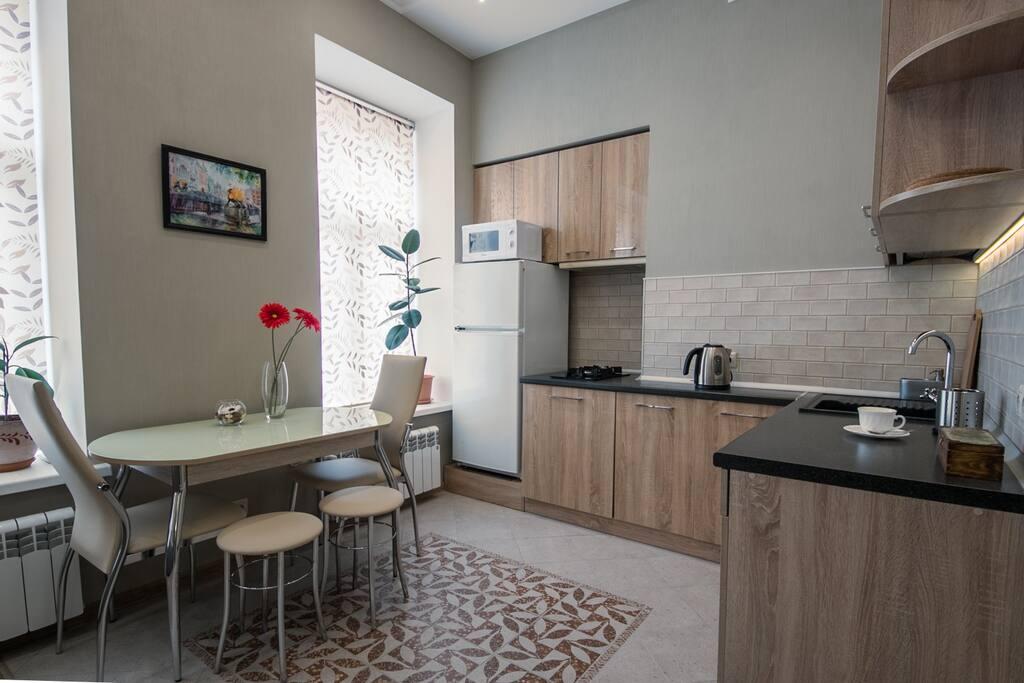 Kitchen area / Кухня-столовая