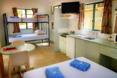 Comfortable Cabin accommodation in Katherine
