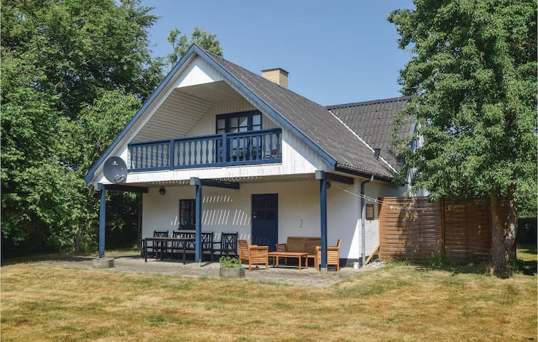 Holiday cottage with 1 bedroom on 106m² in Humble