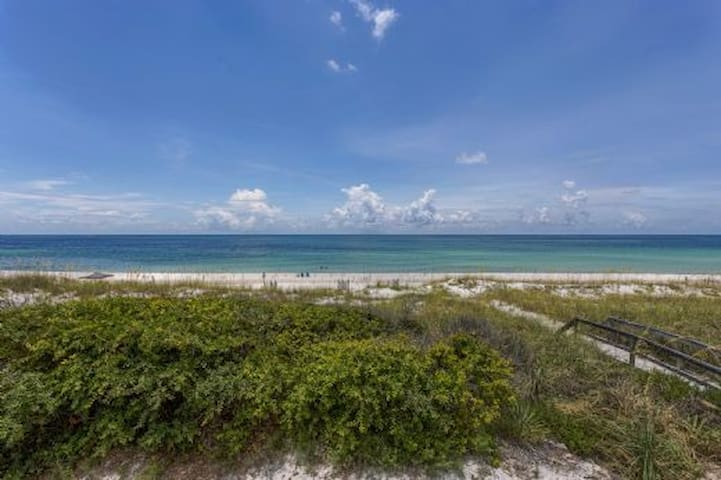 Gulf Front Cottage, Newly Remodeled ~ Cape San Blas Florida ~ 1 Serene Place