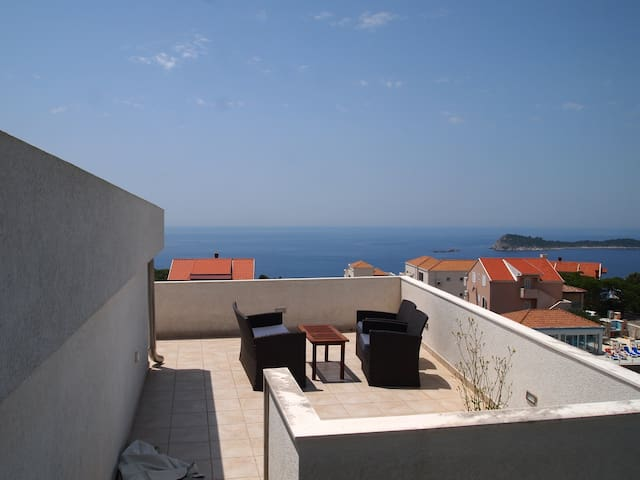 Apartment Marko beautiful Sea view and quiet place