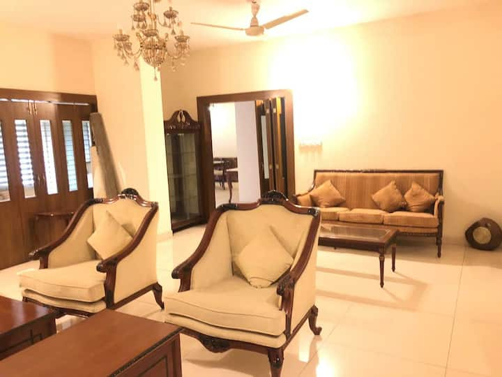 Luxurious Apartment, Gulshan 2, swimming pool, gym