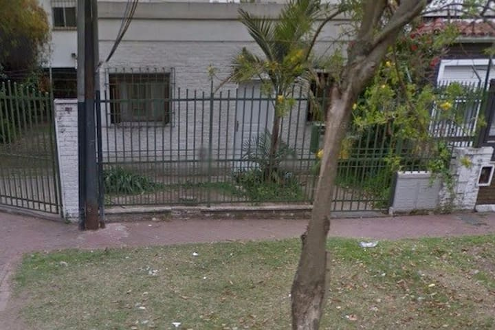 Casa con entrada particular excelente zona - Rosario - Hus