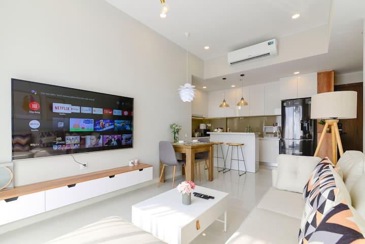 Modern 2 Brs Apartment - 40th Floor Masteri An Phu