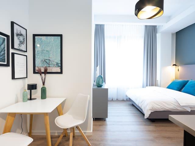 New, modern loft-apartment
