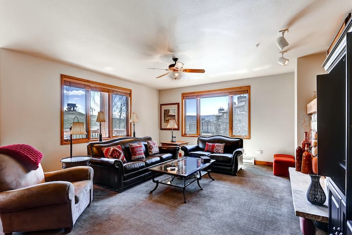 Ski-In/Out Family-Friendly Condo w/Free WiFi, Private W/D, Shared Pool/Hot Tub