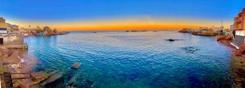 Beautiful and spacious beachfront villa Arzew