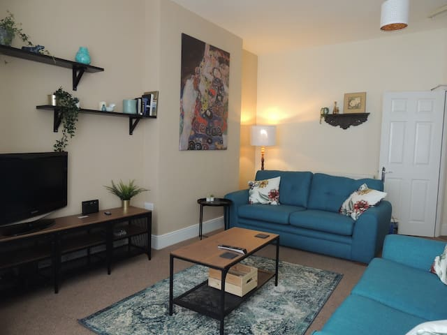 Flat 3, Clement Lodge, 2 Bedroom En-Suite, Parking