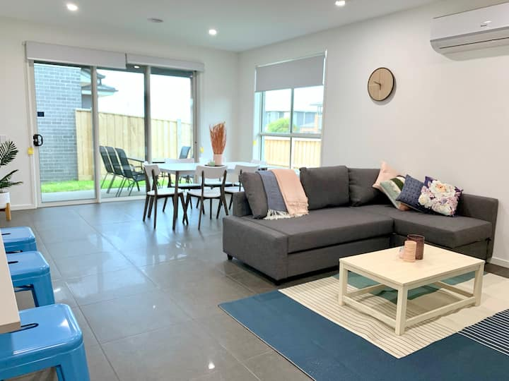 Spacious Modern Home in New Torquay - 25% OFF