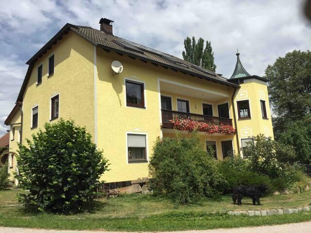 Gemütliche Zimmer in Amberg/Atzlricht