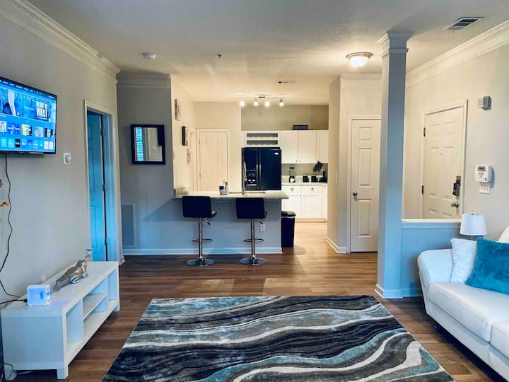 Entire Apt• Luxury Living• Near Downtown ATL