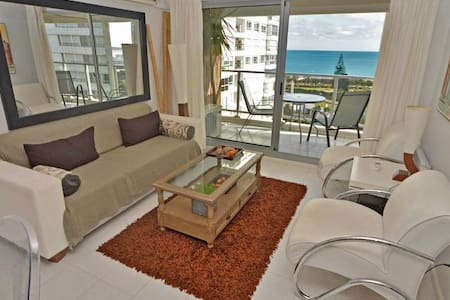DELUXE, FRENTE AL MAR. Amenities. 5 pax, WIFI, Gge