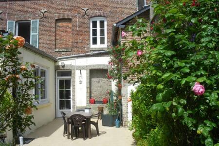 Maison avec cour et jardin fleuri - Mers-les-Bains
