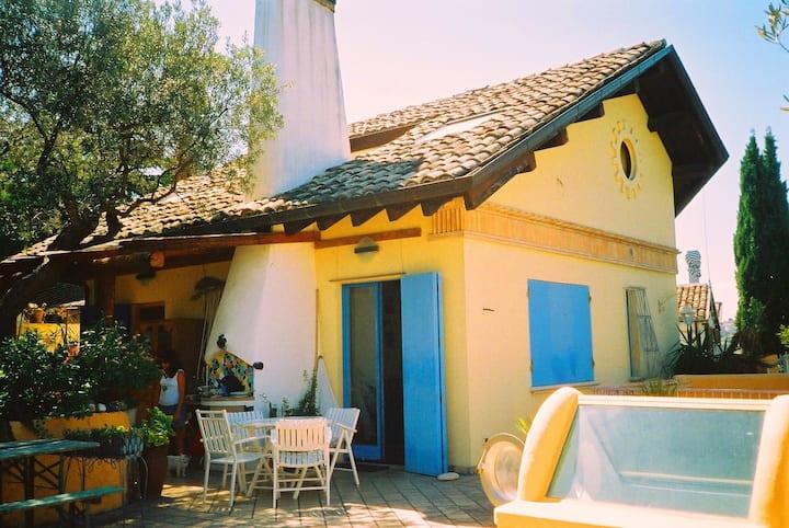 Belle Camere in VILLA con terrazza Vista MARE