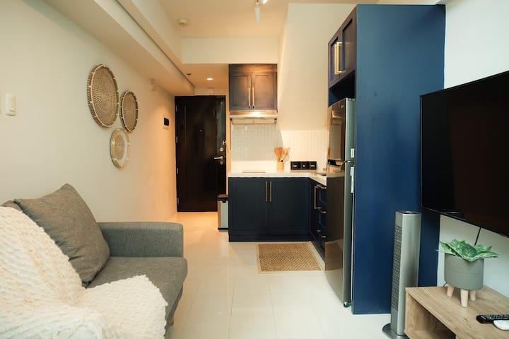 Ultra Cozy Loft- Ortigas Center Fast WIFI