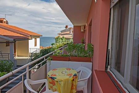 Comfy,nice little app with WiFi,1 pet allowed - Rabac - Apartment - 2