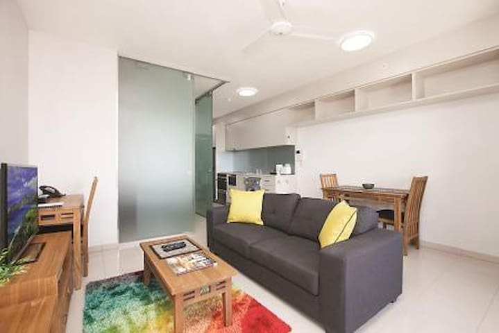 Executive Apartment With Breakfast - Darwin City - Flat