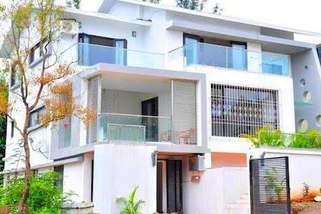 Mahabaleshwar Hill station   Villa   Cozy