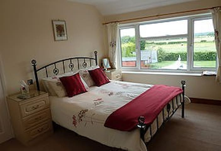Clean comfortable B&B between York and Scarborough - Norton - Bed & Breakfast