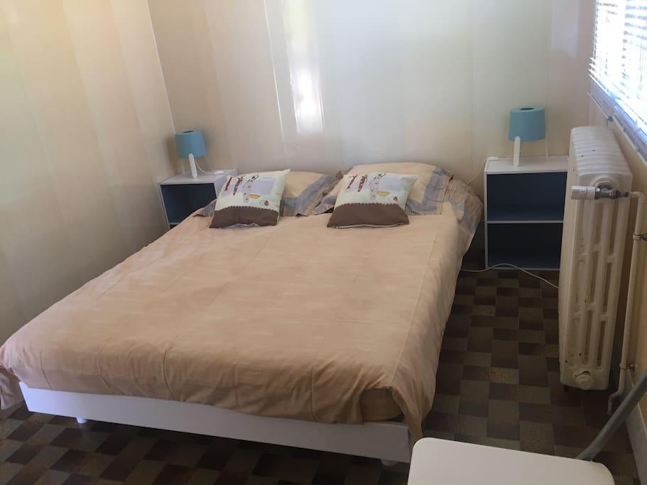proche des magasins d 39 usine du gymnase f ganne maisons louer saint julien les villas. Black Bedroom Furniture Sets. Home Design Ideas