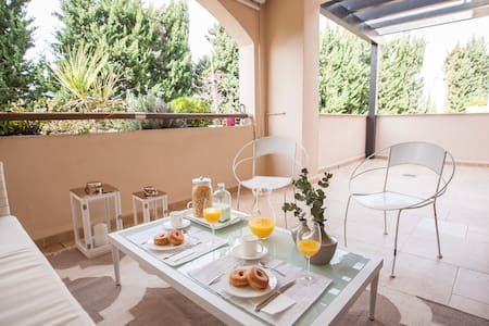 Luxury living at La Medina: Private & Elegant.WiFi - Marbella