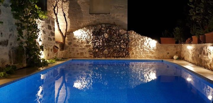 Grand Palazzo, arches, amazing view, pool, jakuzzi