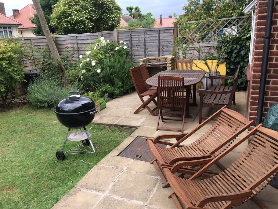 Shared SW facing garden and furniture