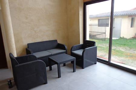 Maison en location pour l'été à la semaine - 140m2 - Charnoz-sur-Ain - Ev
